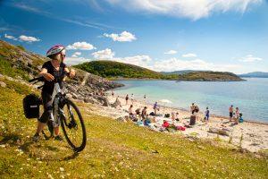 Øyhopping med sykkel på Namdalskysten: Abelvær